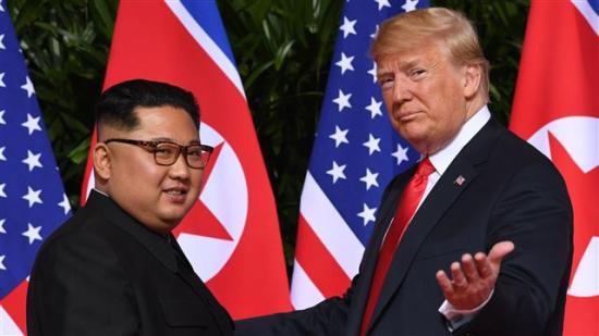 Szingapúr: Történelmi csúcstalálkozó Donald Trump és Kim Dzsongun között