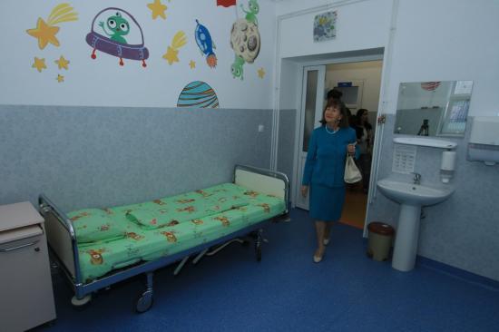Civil összefogással újítottak fel gyermekkórházat