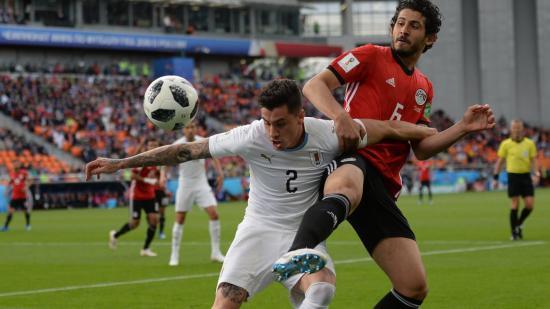 Vb-2018, A-csoport, 1. forduló: sima orosz és alig elért uruguayi győzelemmel rajtolt a torna