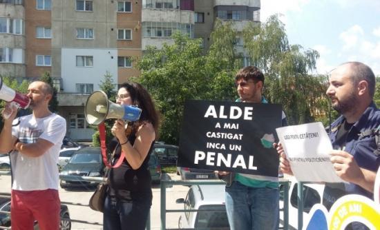 Tüntetéssel fogadták Tăriceanut Kolozsváron