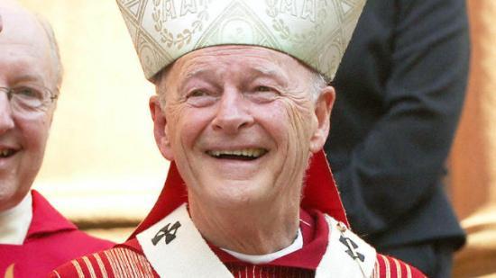 Washington zaklatással gyanúsított nyugalmazott bíborosa nem teljesíthet papi szolgálatot