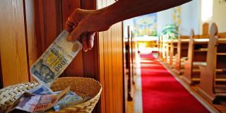 Ma péterfilléres gyűjtés a katolikus templomokban Ferenc pápa karitatív céljaira
