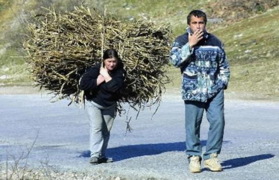 Kedvezőtlenebb a nők munkaerőpiaci helyzete