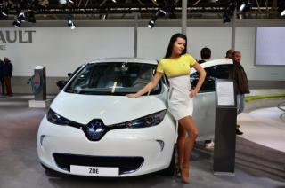 Megduplázza az elektromos Zoe modell gyártását a Renault
