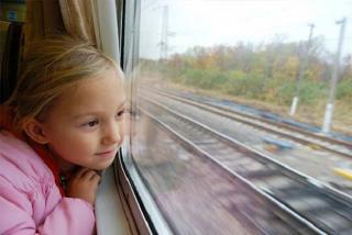Papírkálvária: kiskorúval külföldre szülő nélkül