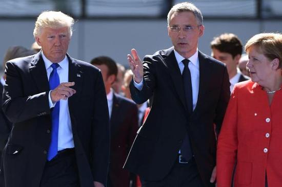 Donald Trump azzal fenyegetett, az Egyesült Államok kilép a NATO-ból