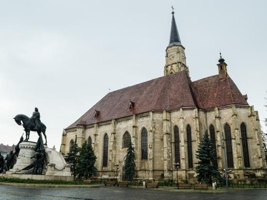VIDEÓINTERJÚK – Mikor kezdődik a Szent Mihály templom restaurálása? Bezárják?
