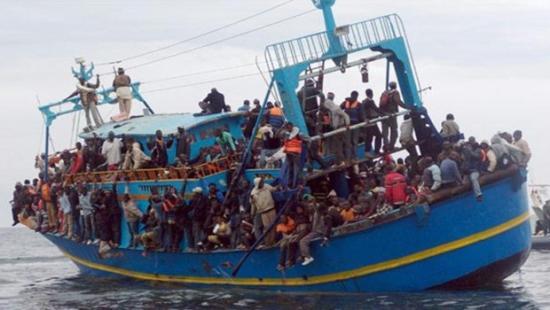 Újabb migránsokkal teli hajó tart Olaszország felé, a belügyminiszter megtagadta a kikötést