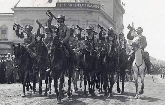 Magyarok Romániában – képsorokba sűrített történelem