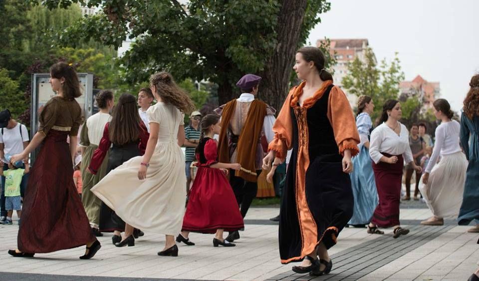 Zene, tánc, hangszerek Csíkszeredában a Régizenei Nyári Egyetemen