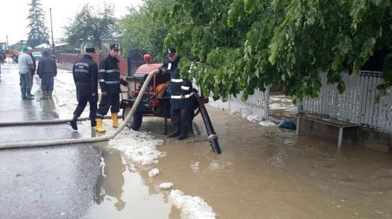 A kormány 212 millió lejt fordít árvízkárok helyreállítására
