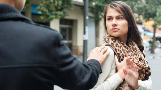 Kihirdette az utcai zaklatásról szóló törvényt Klaus Johannis