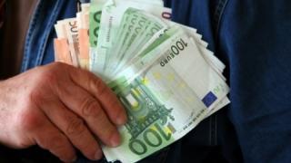 A román állampolgárok több mint fele szeretne külföldön dolgozni
