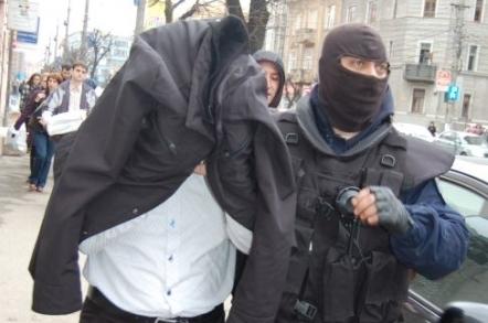 Embercsempészeket vettek őrizetbe