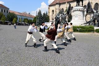 Nemzetközi tánckavalkád Kolozsvár Főterén
