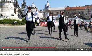 VIDEÓ - Nemzetközi tánckavalkád a Főtéren
