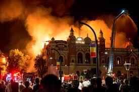 Leégett a Nagyvárad főterén álló görög-katolikus püspöki palota - rövidzárlat okozhatta?