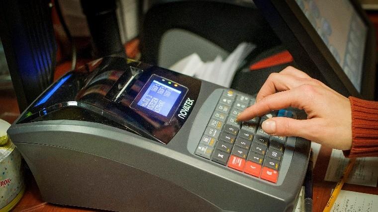Csak figyelmeztetést kap, akinek nincs online pénztárgépe