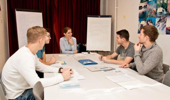 Erdélyi magyar egyetemistáknak indít új képzést a Mathias Corvinus Collegium