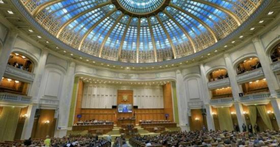 Elkezdődött a parlamenti őszi ülésszak. Kelemen Hunor: még nem beszéltünk Dragneával az együttműködési megállapodásról