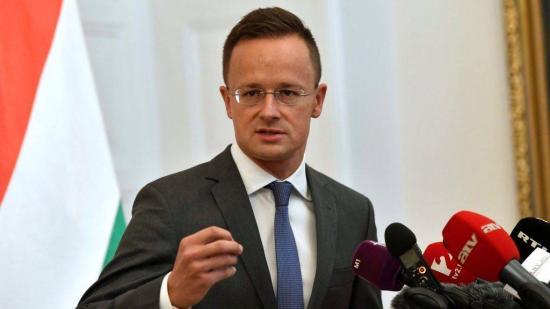 Szijjártó: a határon túli magyarság továbbélésének garanciája az anyanyelvi oktatás fennmaradása