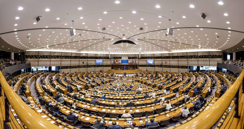 Romániából csupán öten szavaztak a jelentés ellen