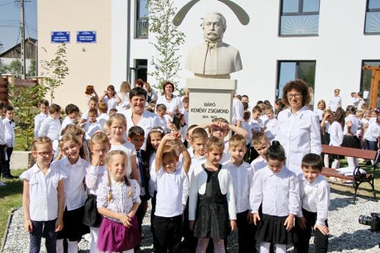 Felvette Kemény Zsigmond nevét a szamosújvári iskola