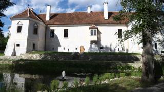 Álom és valóság: barangolás a miklósvári Kálnoky-kastélyban