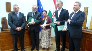 Négy állami kitüntetés a főkonzulátuson