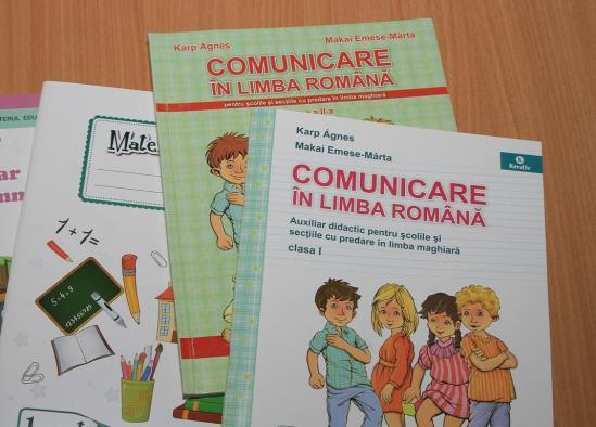 A kormány eltörölte a románnyelv-oktatást érintő cikkelyt