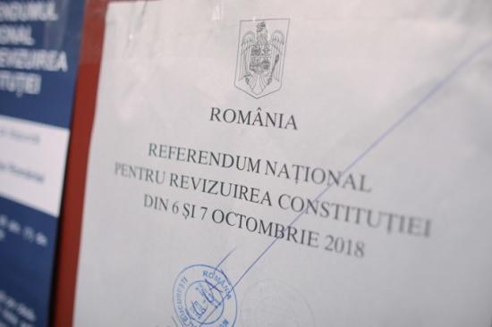Népszavazás - Folytatódik a voksolás, az első napon a részévetli arány 5,72 százalék volt