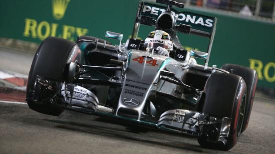 Japán Nagydíj: Hamilton rajt–cél győzelemmel karnyújtásnyira a vb-címtől