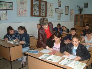 Nem szüntethetők meg anyanyelvű osztályok az érintett kisebbség érdekképviseletének jóváhagyása nélkül