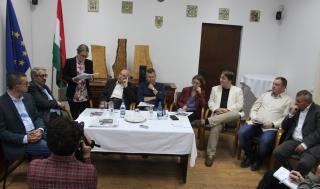 Szerzőtársai köszöntötték a 80 éves Szilágyi Istvánt