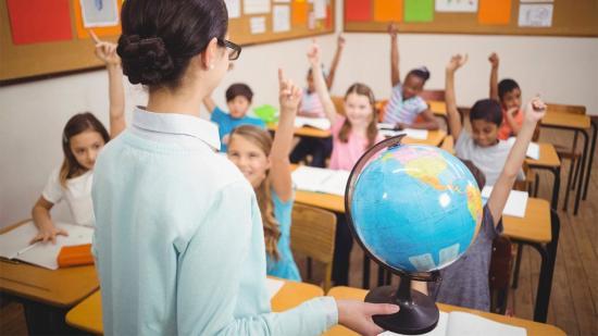 Megkapják a románórákért járó túlórapénzt a magyar tanítók