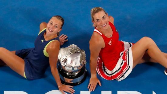 Wozniacki javított, Szvitolina az elődöntő küszöbén
