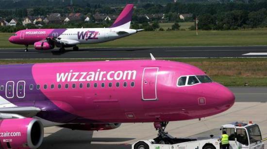 Bombafenyegetés miatt kényszerleszállást hajtott végre az Otopeni repülőtéren a Wizzair egyik járata
