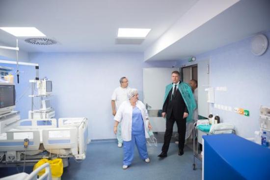 Kiutalták a kórházból Klaus Johannist