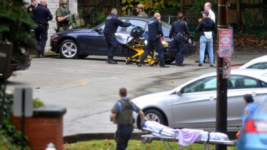 Többen meghaltak és megsebesültek egy zsinagógánál kitört lövöldözésben Pittsburghben