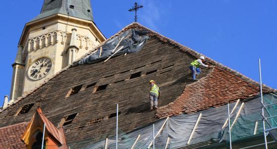 Javítják a Szent Mihály templom fedélszerkezetét