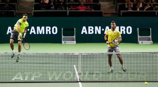 Párizsban és Csuhajban történt tenisztornán