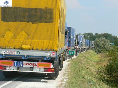 Mikortól nem léphetnek be a kamionok Magyarország területére?