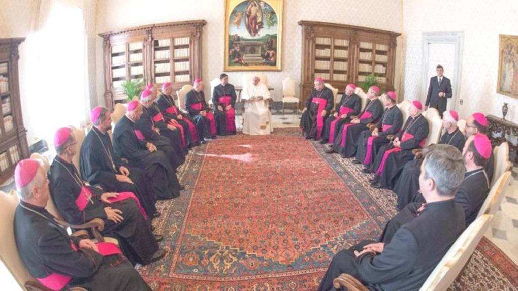 A pápalátogatások nem jelentik az adott ország politikájának jóváhagyását