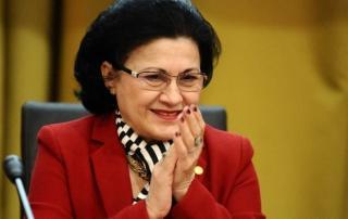 Aláírta Johannis Ecaterina Andronescu új oktatási miniszter kinevezését