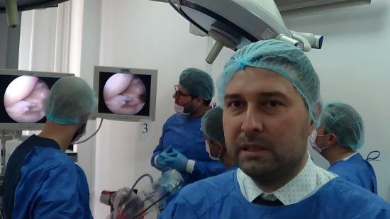 VIDEÓINTERJÚ – Horea Benea: először szerveztek artroszkópos műtét-szimulációt Kolozsváron