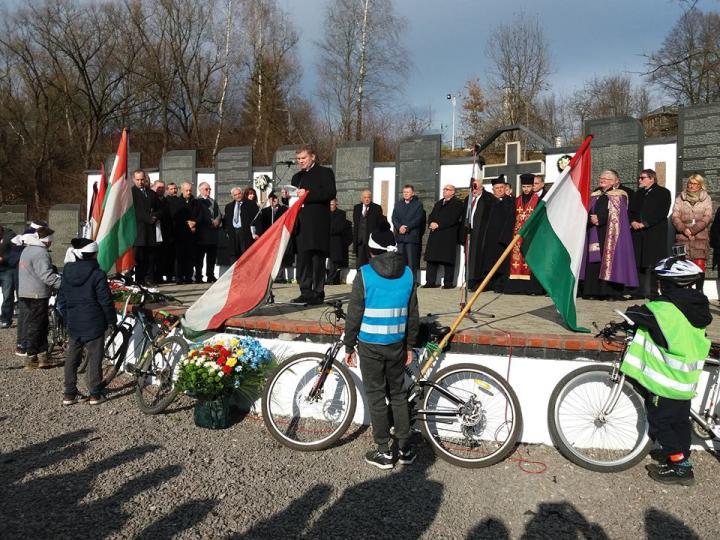Zarándoklat Kárpátaljára, a szovjet munkatáborok áldozatai emlékére