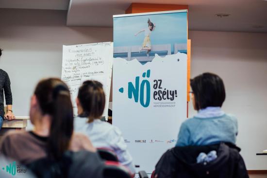 Nők közéleti szerepvállalását támogatja az RMDSZ Nőszervezet
