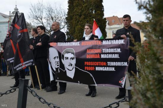 Bekéék szabadon engedését kérik Johannistól magyar képviselők
