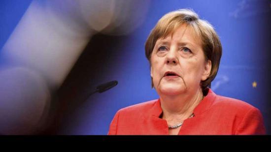 """Műszaki hiba miatt kellett Merkel gépének """"terven kívüli leszállást"""" végrehajtania"""