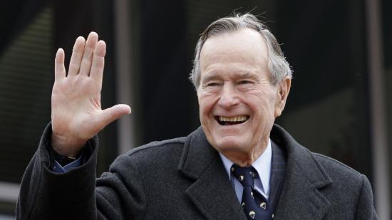Meghalt idősebb George Bush